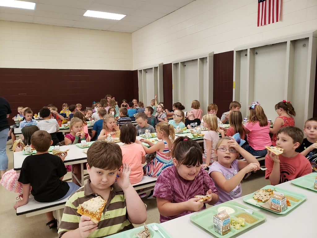 Second Grade Lunch on the First Day of School