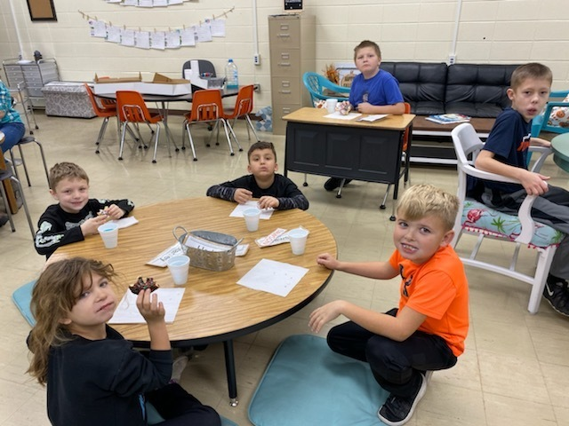 "Thank you so much to Mrs. Dunker for bringing us donuts for winning our ""Dunk"" Days competition! We really enjoyed them.  Also thank you to everyone who donated for Dunker Dollars!  - Miss Waddell's Class"